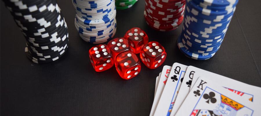 Ausgewahltes Bild Online Casino FAQ Warum ist Glucksspiel eine wiederkehrende Sci Fi Film Funktion Star Wars The Last Jedi - Online Casino FAQ - Warum ist Glücksspiel eine wiederkehrende Sci-Fi-Film-Funktion?